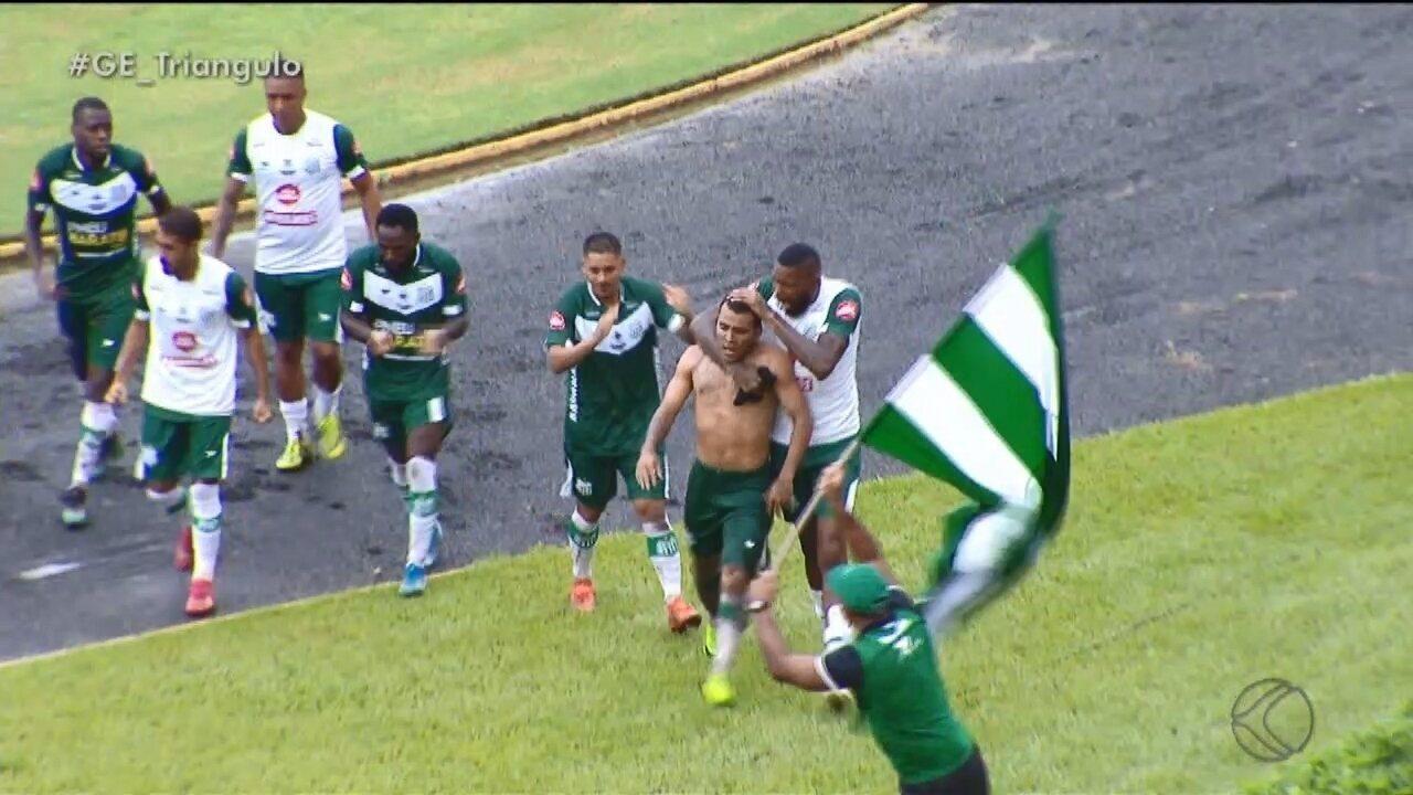 Uberlândia passa pelo Coimbra e vence a primeira no Mineiro