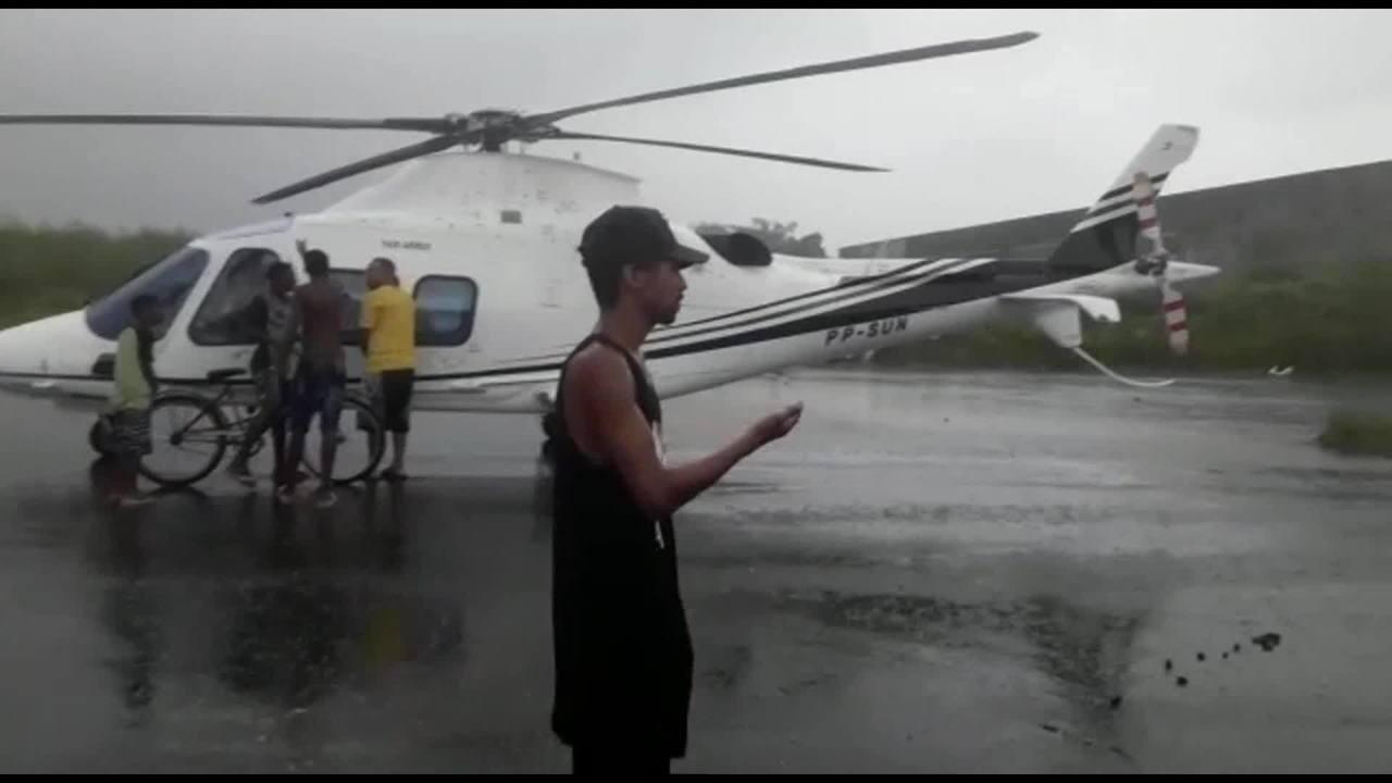Helicóptero faz pouso de emergência na Cidade de Deus