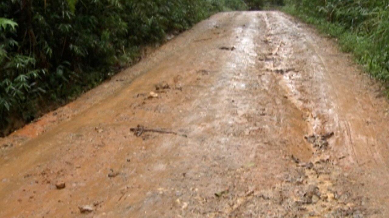Chuvas causam prejuízos a moradores em Biritiba Mirim