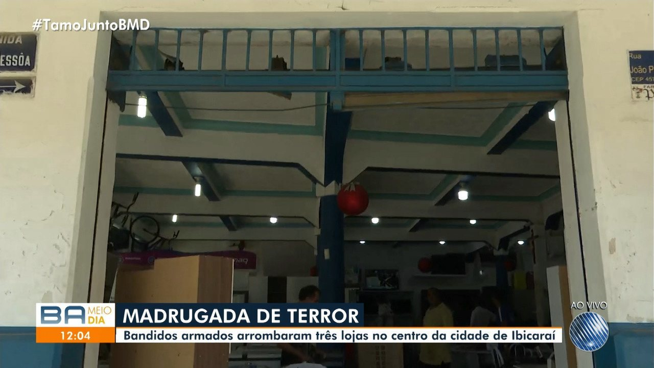 Resultado de imagem para Homens armados arrombam três imóveis em Ibicaraí