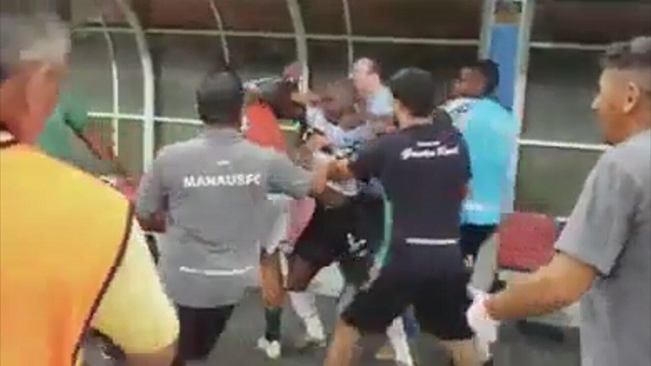 Após perder pênalti e ser eliminado, Sassá tenta agredir jogador do Manaus FC e é impedido