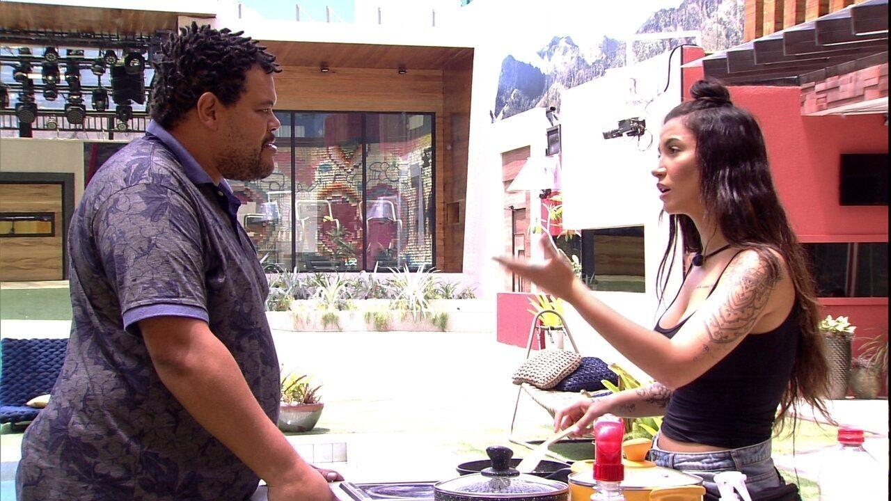 Babu reclama que Bianca usou arroz e sister responde: 'Bota o seu nome, então'