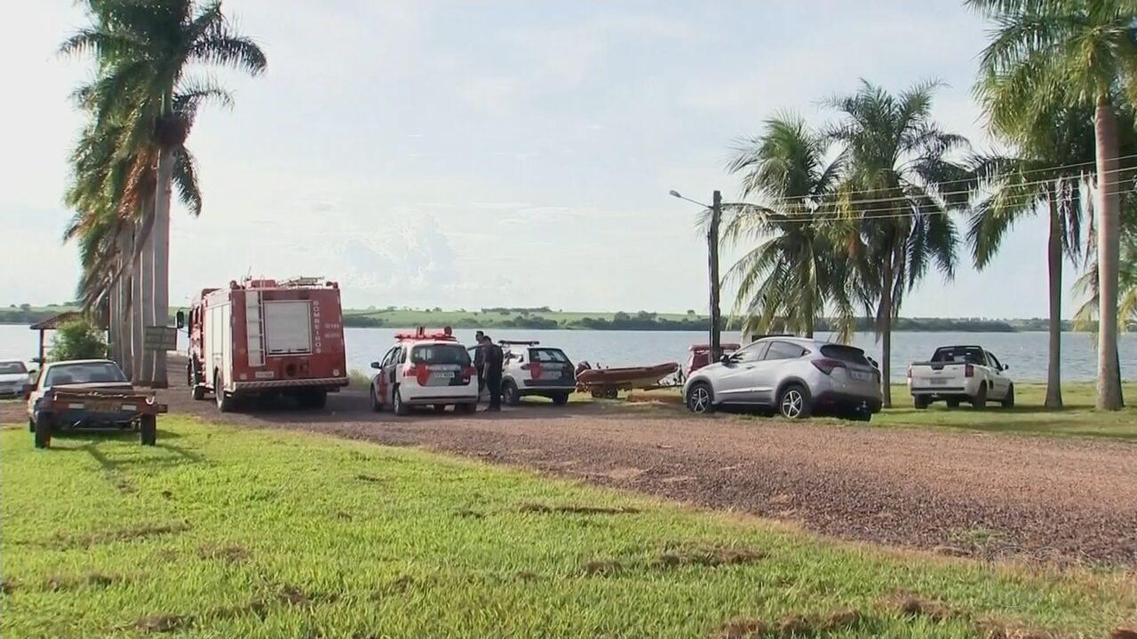 Irmãos idosos morrem afogados após caírem de barco no Rio Tietê em Araçatuba
