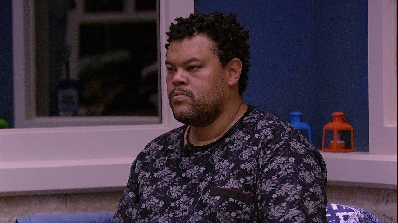 Babu ouve plano de Felipe e Lucas e opina: 'Acho inteligência de jogo'