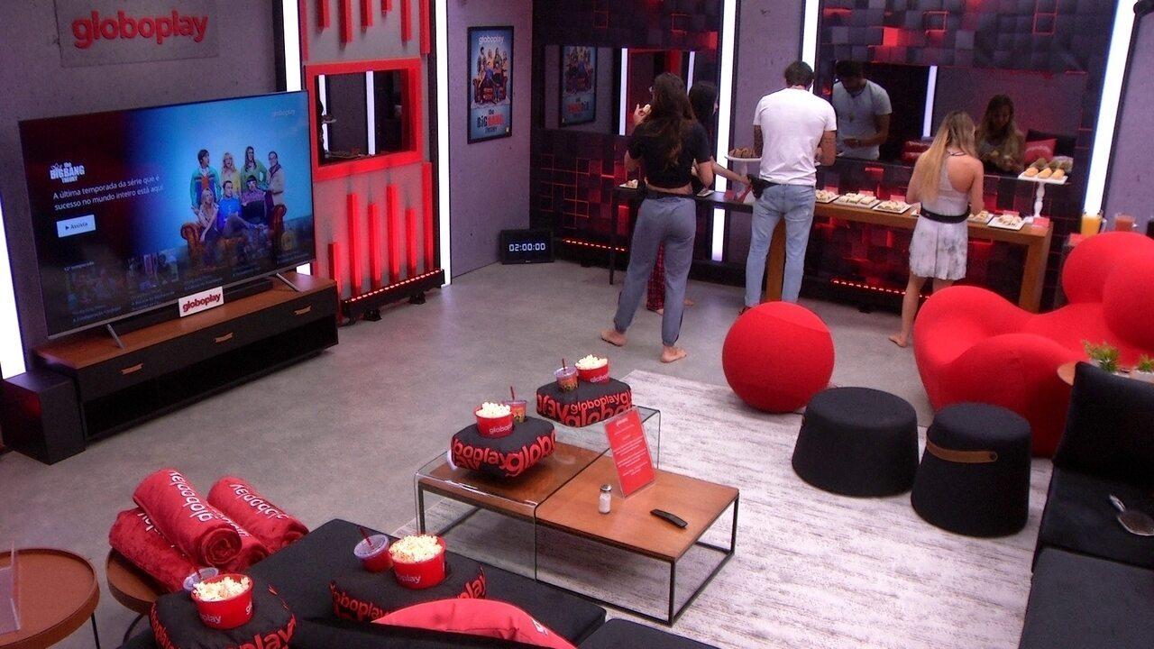 Guilherme convida Gabi, Bianca e Mari para o Cinema do Líder