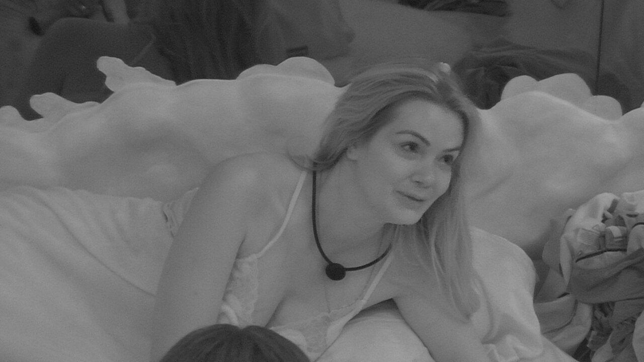 Marcela sobre relacionamento com Daniel: 'Está me atrapalhando aqui dentro'