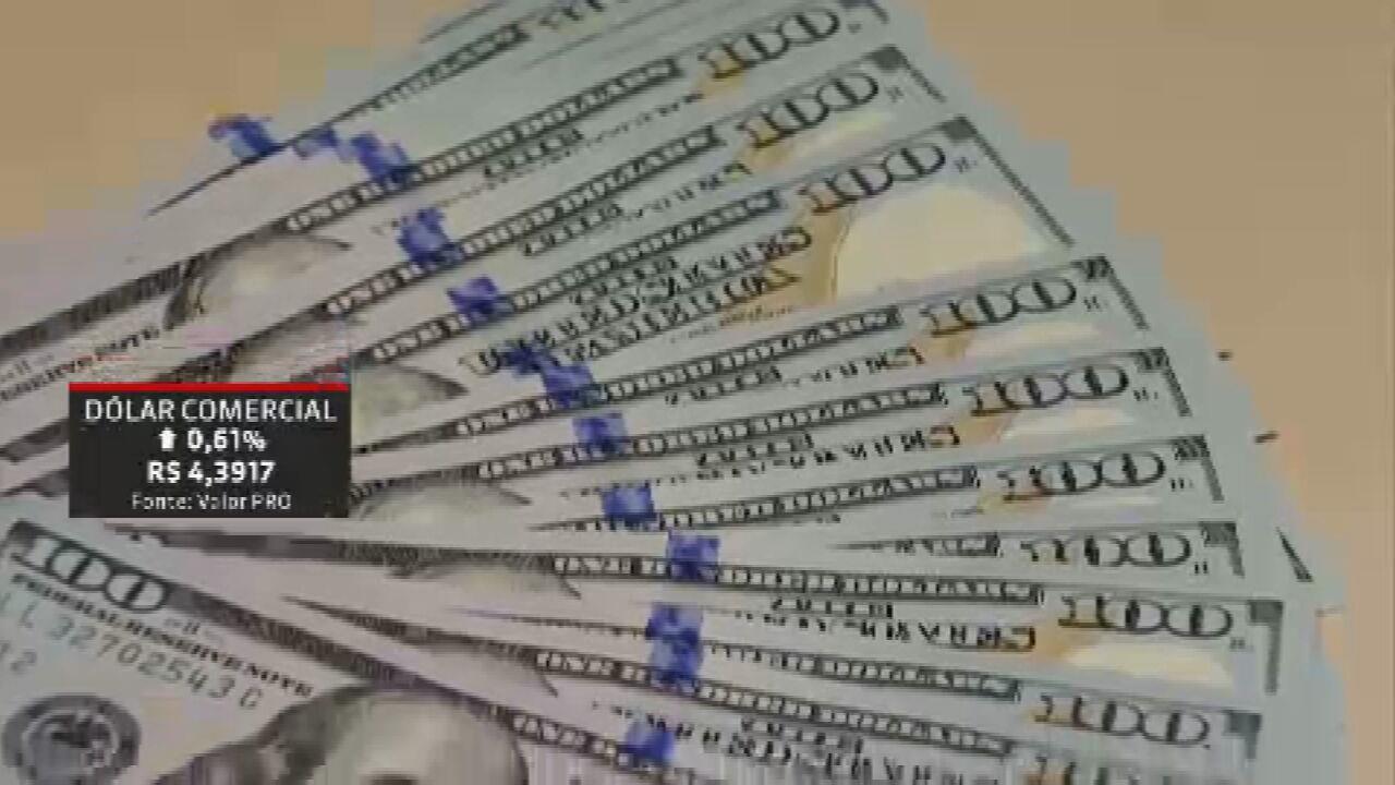Dólar bate máxima e encosta nos R$ 4,40, e Ibovespa cai 1,66%; entenda o mercado