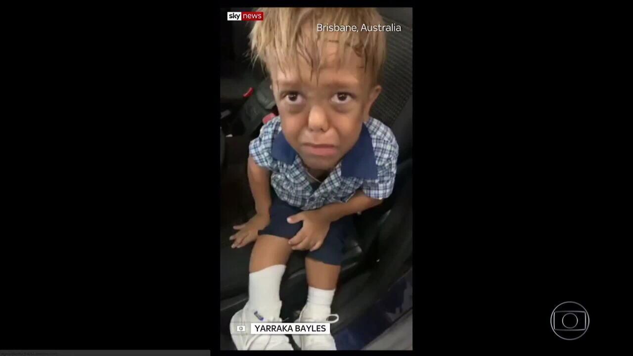 Mãe posta vídeo do filho de 9 anos chorando por bullying e comove celebridades