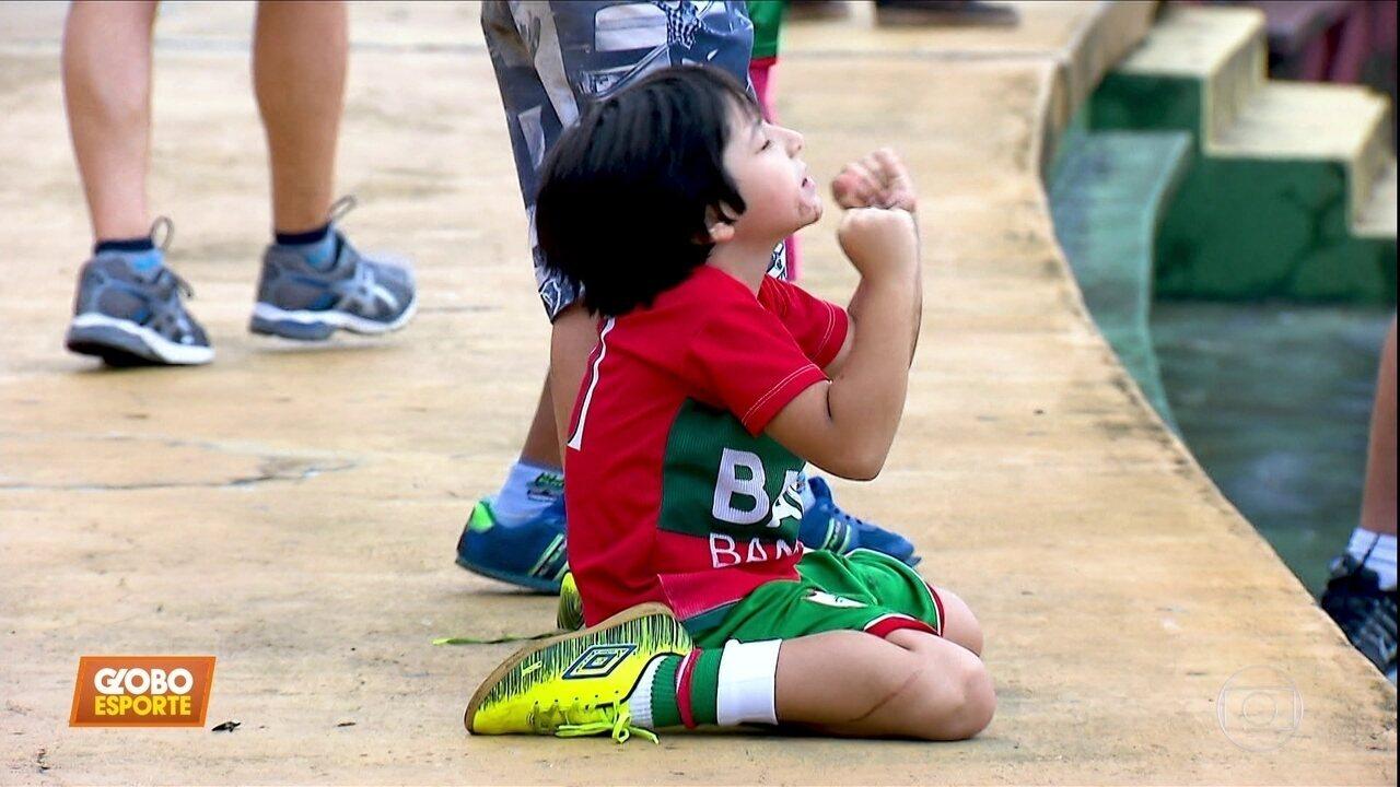 Conheça a emocionante história do menino que torce pra Portuguesa