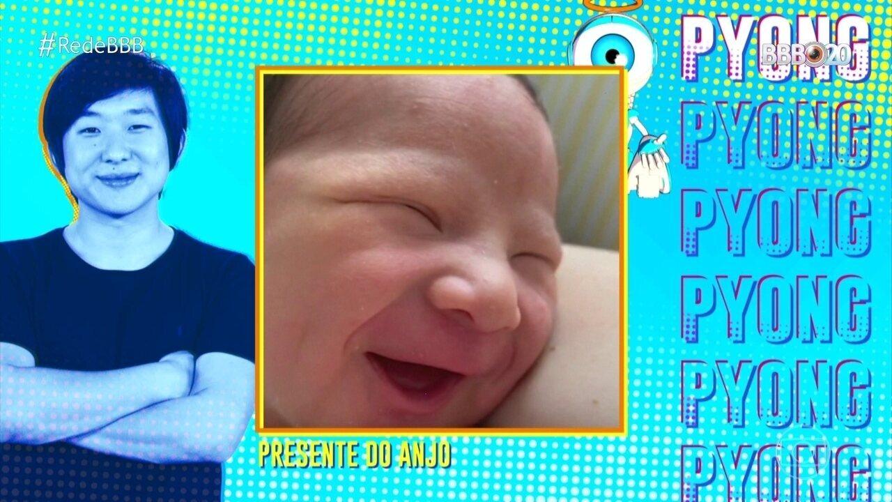 Pyong vê pela primeira vez foto do filho no Almoço do Anjo