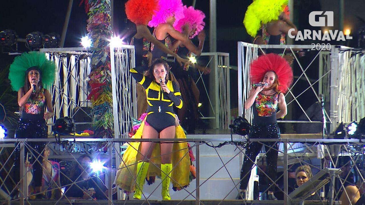 Daniela Mercury canta 'Swing da cor' no circuito Barra-Ondina