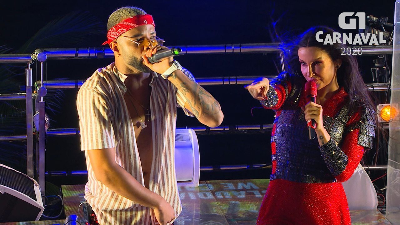 Claudia Leitte canta com MC Zaac na Barra