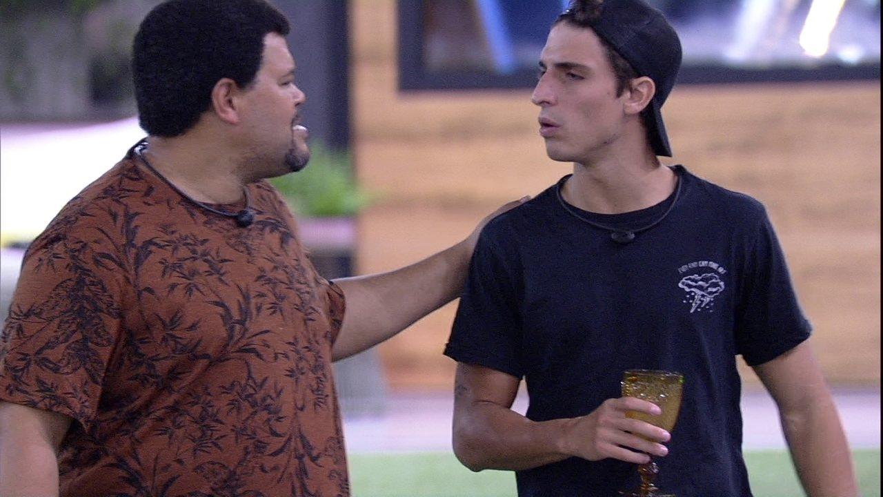 Felipe dança com Babu e diz: 'Se eu ficar, vai ser bom demais'