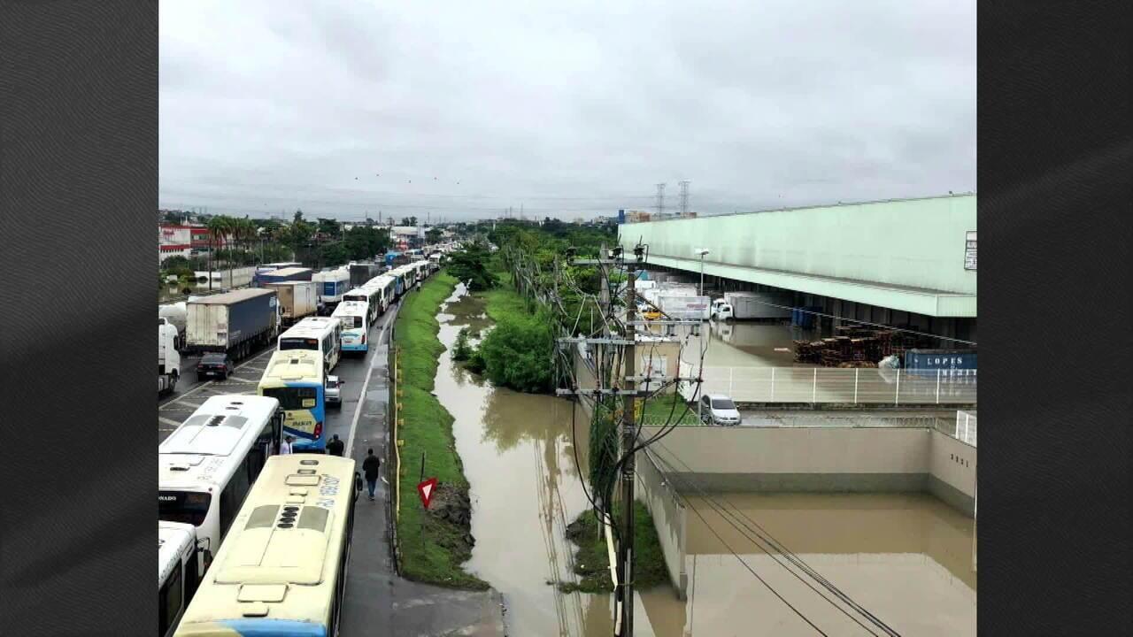 Rio de Janeiro ainda tem previsão de chuva forte para este domingo (1º)