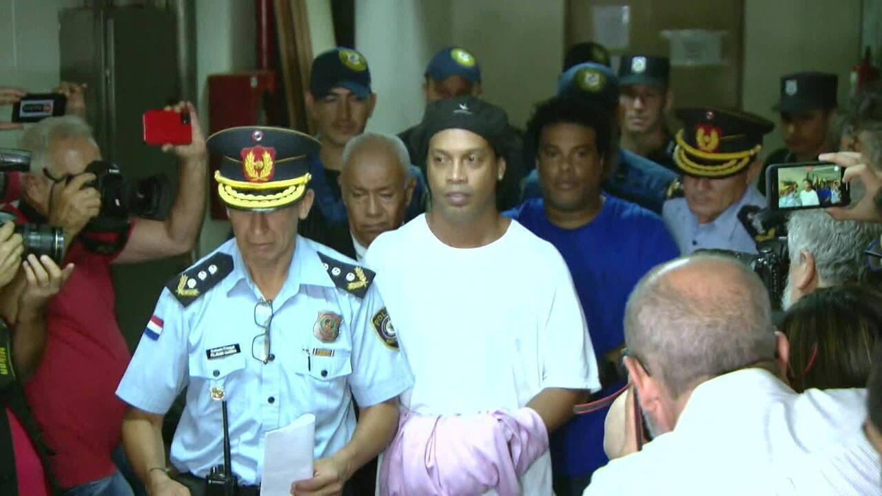 Ronaldinho Gaúcho é mantido em prisão preventiva no Paraguai