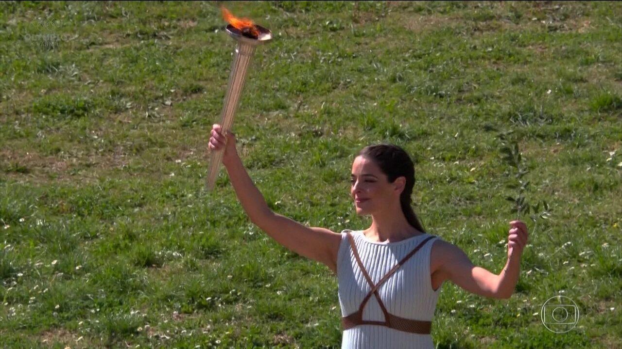 Sem público por causa do coronavírus, COI inicia revezamento da tocha olímpica