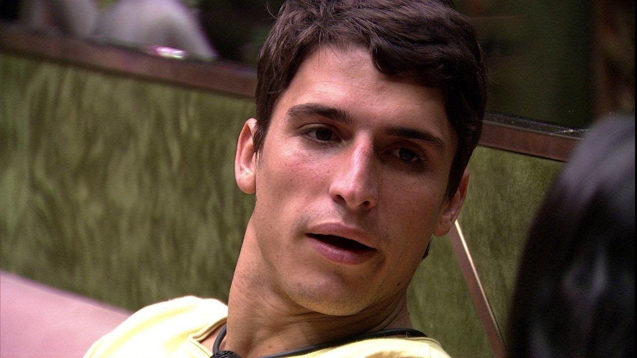 Felipe critica Flayslane: 'Os caras querem a sua cabeça, e você fica elogiando eles?'