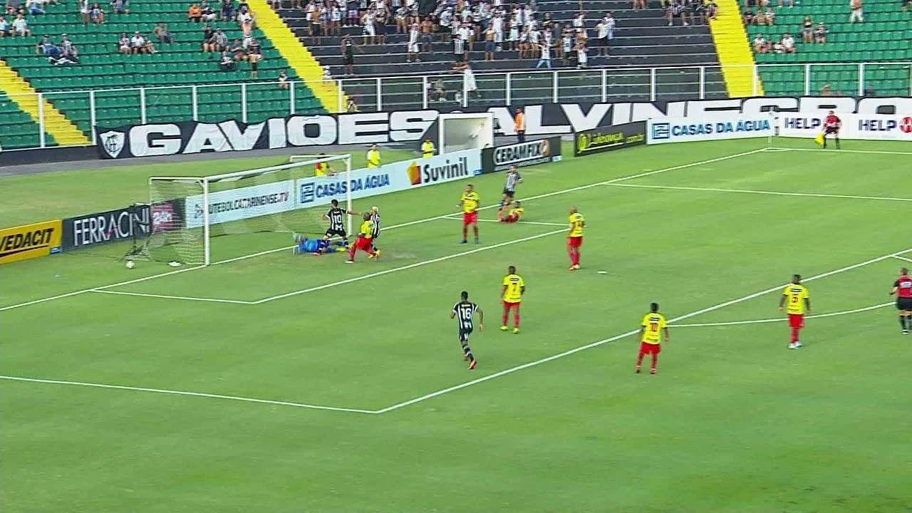 Assista ao gol de Figueirense 1 x 0 Brusque
