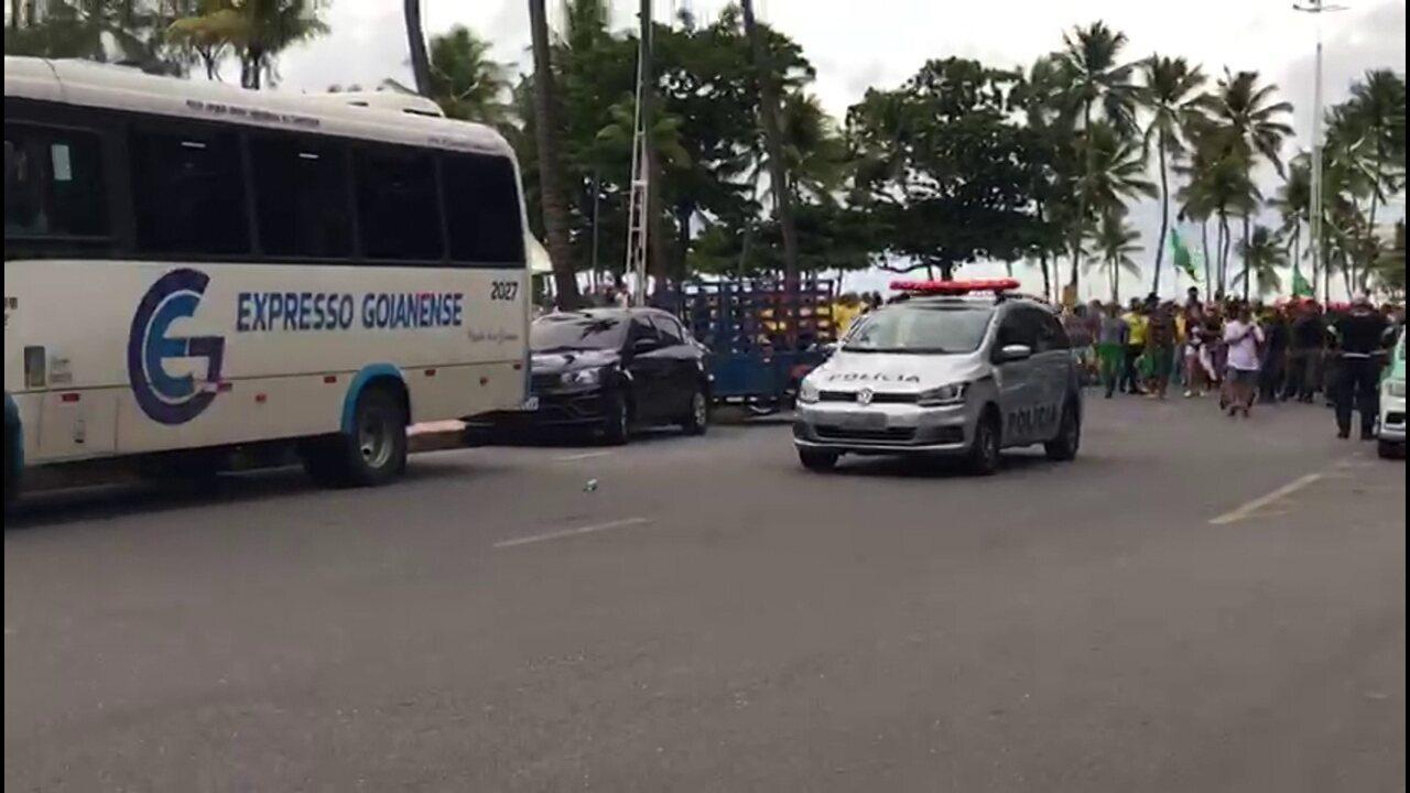 Dois homens são detidos após manifestação na Zona Sul de Boa Viagem