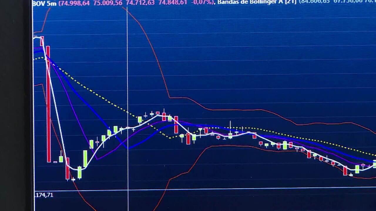 Ibovespa despenca 13,92% e dólar fecha a R$ 5,06