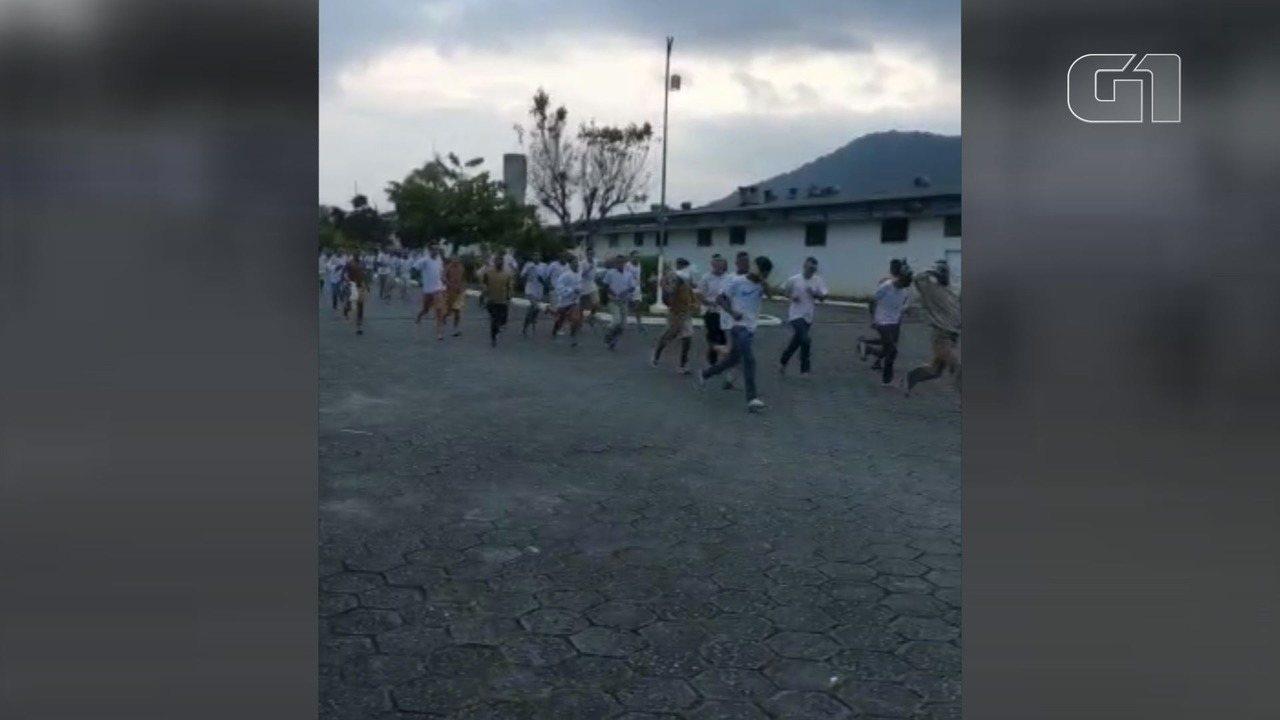 Vídeo mostra fuga em massa de presídio de Mongaguá (SP)