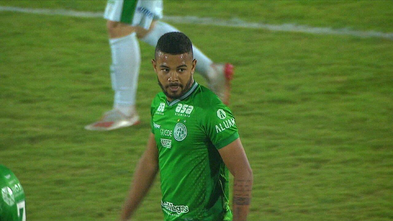 Gol do Guarani! Juninho recebe bola de Todinho e finaliza, aos 35 do 2º tempo