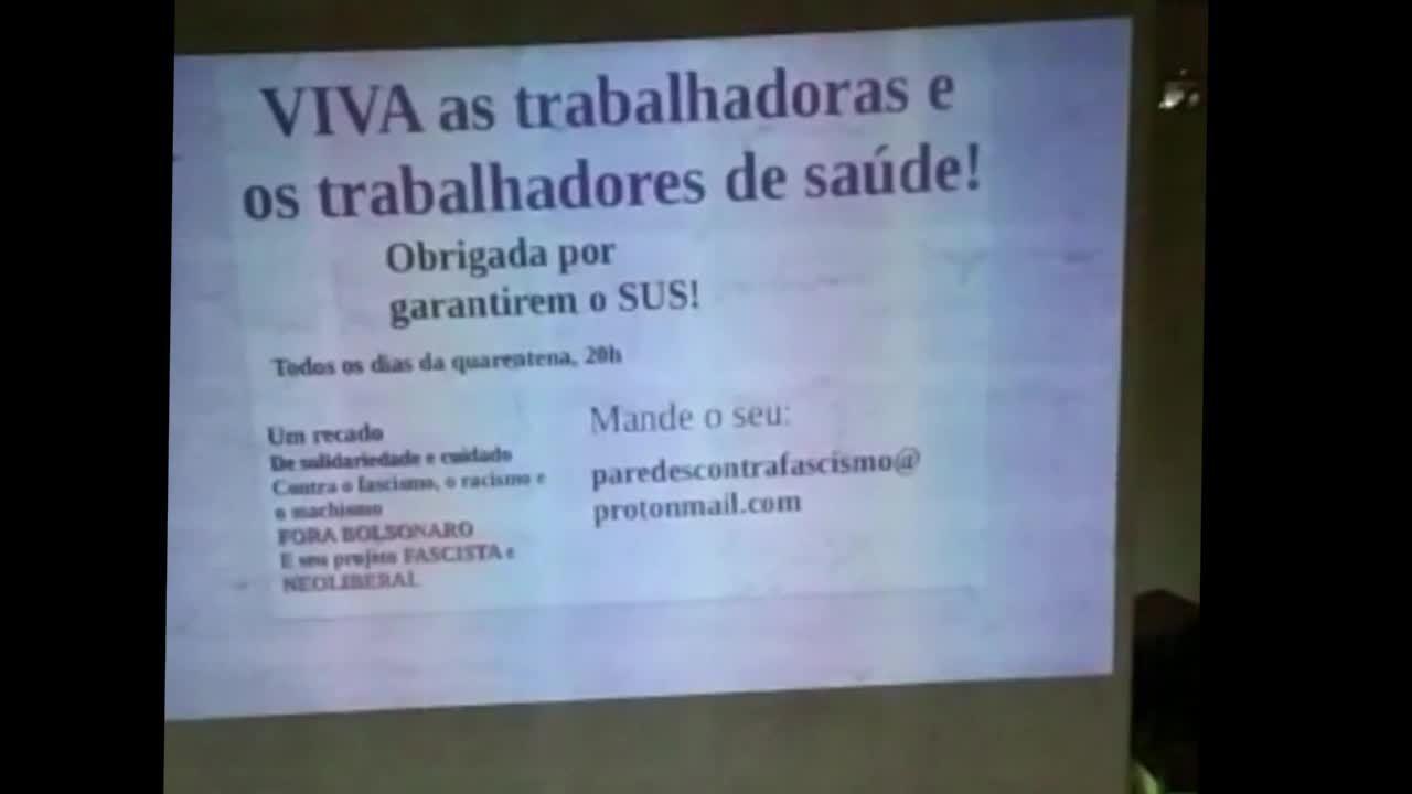 Moradores aplaudem profissionais na saúde que atuam no combate ao coronavírus em SP