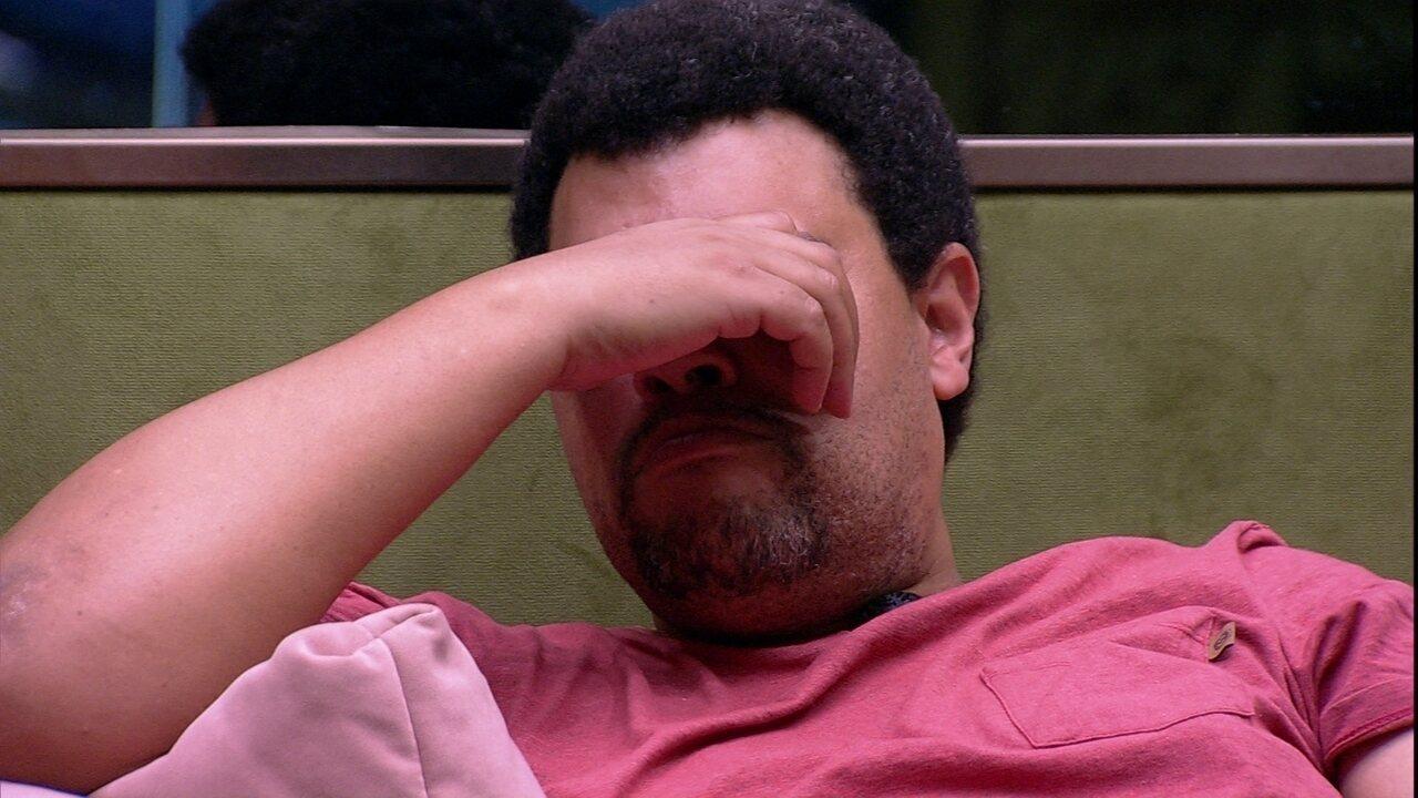 Babu se emociona sozinho: 'Pensei que não ia passar nem da primeira semana'