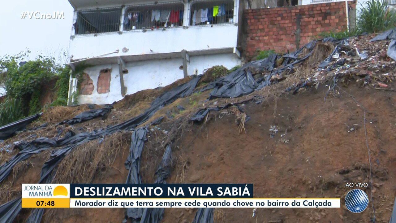 Moradores da Vila Sabiá, na Calçada, denunciam risco de deslizamento de terra