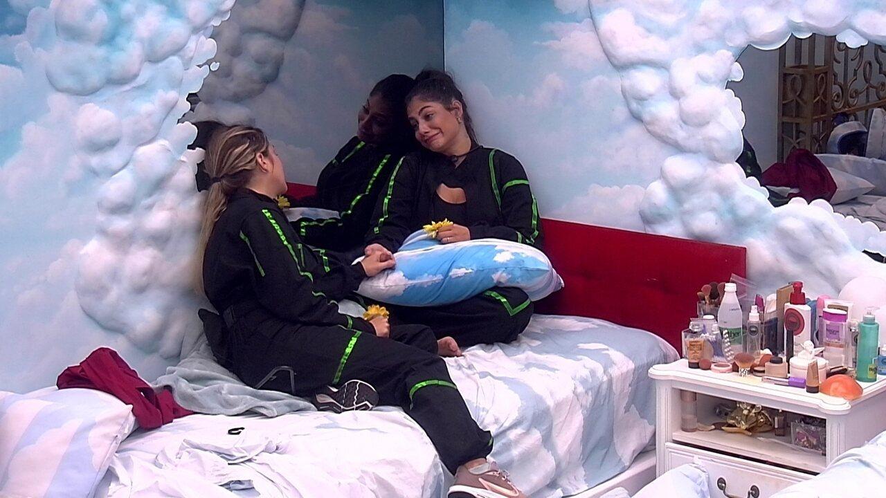 Mari desabafa com Gabi sobre Paredão juntas