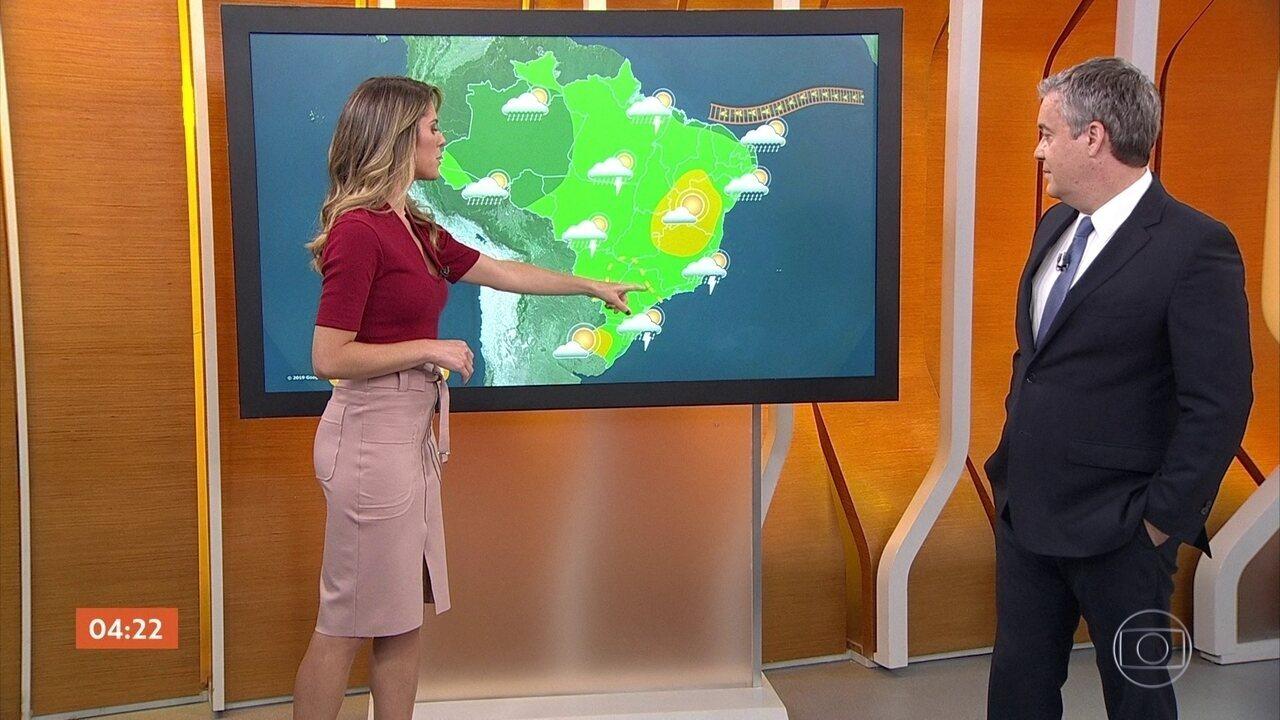 Semana começa com chuva em boa parte do país nesta segunda-feira