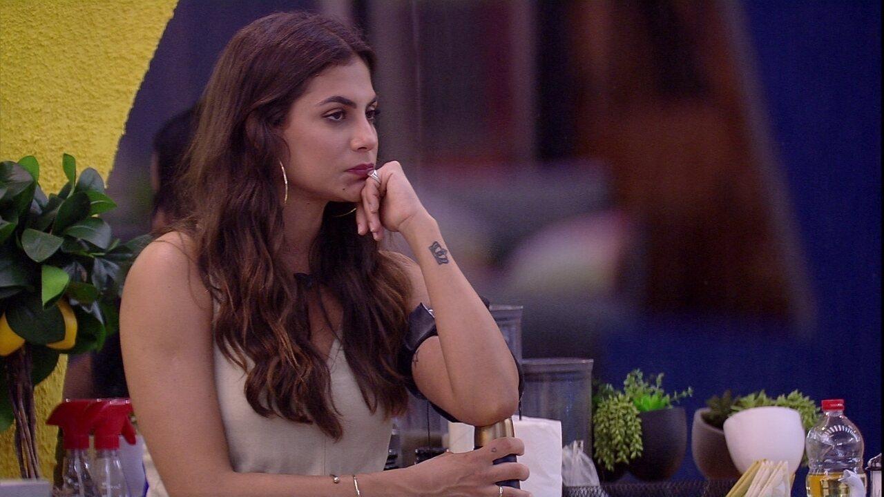 Mari comenta sobre Manu: 'É a única pessoa que vira a cara mesmo'