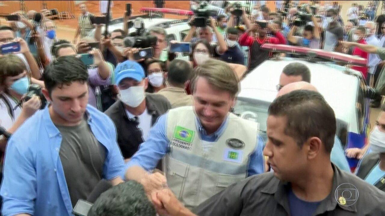 Bolsonaro e Caiado visitam obras do 1º hospital de campanha ...