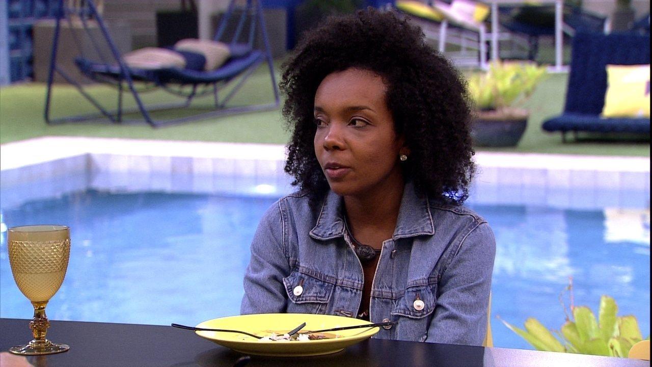 Thelma comenta com Manu: 'Eu jurava que a Mari fosse indicar ou você ou eu'