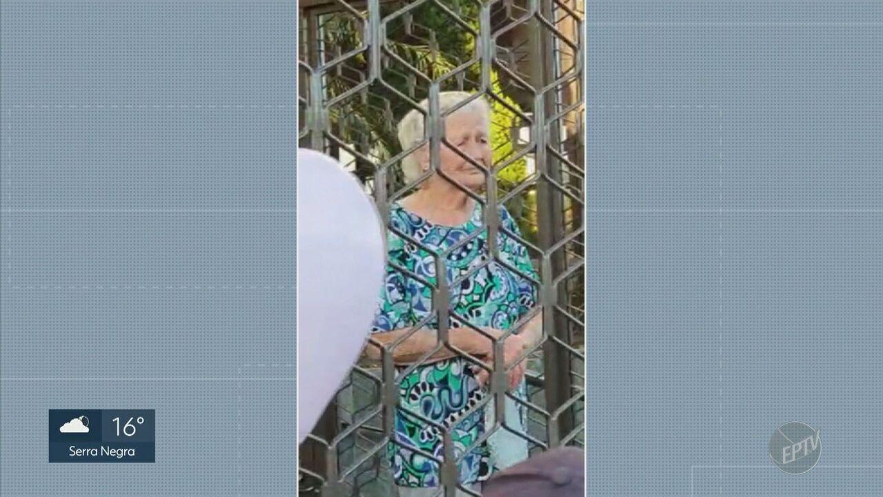 Coronavírus: idosa de 93 anos se emociona com festa de aniversário adaptada em Piracicaba