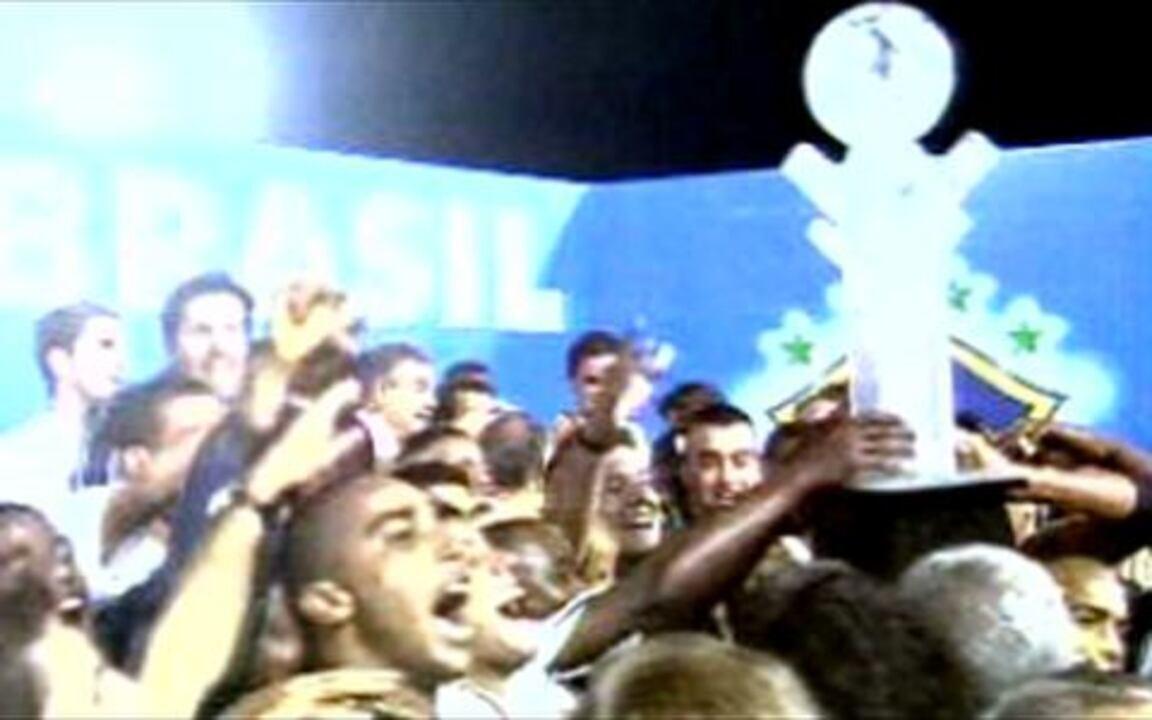 Em 2002, Brasiliense perde a final da Copa do Brasil para o Corinthians