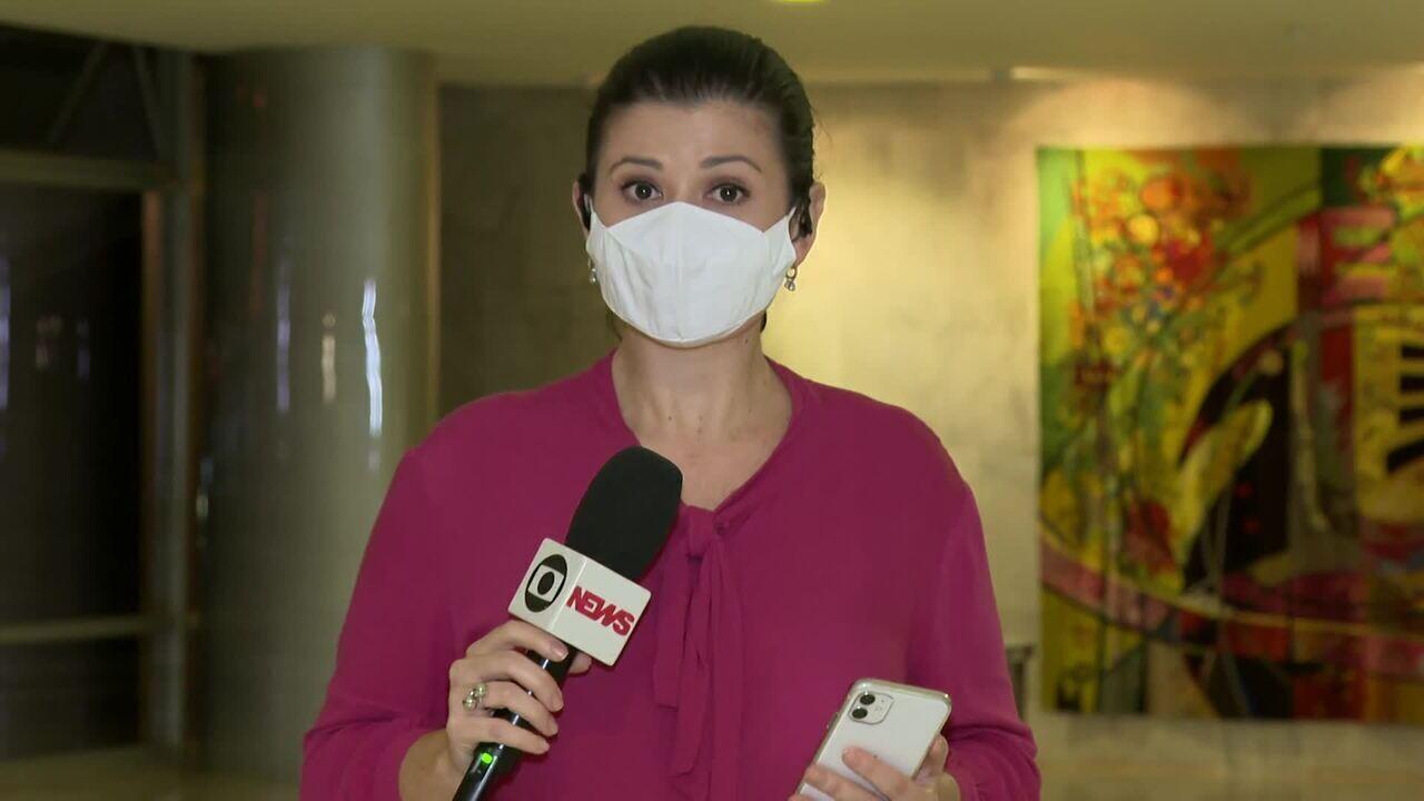AGU pede que apenas falas de Bolsonaro na gravação de reunião sejam liberadas