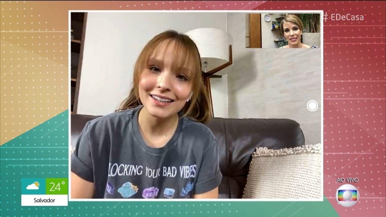 Larissa Manoela conversa com o É de Casa