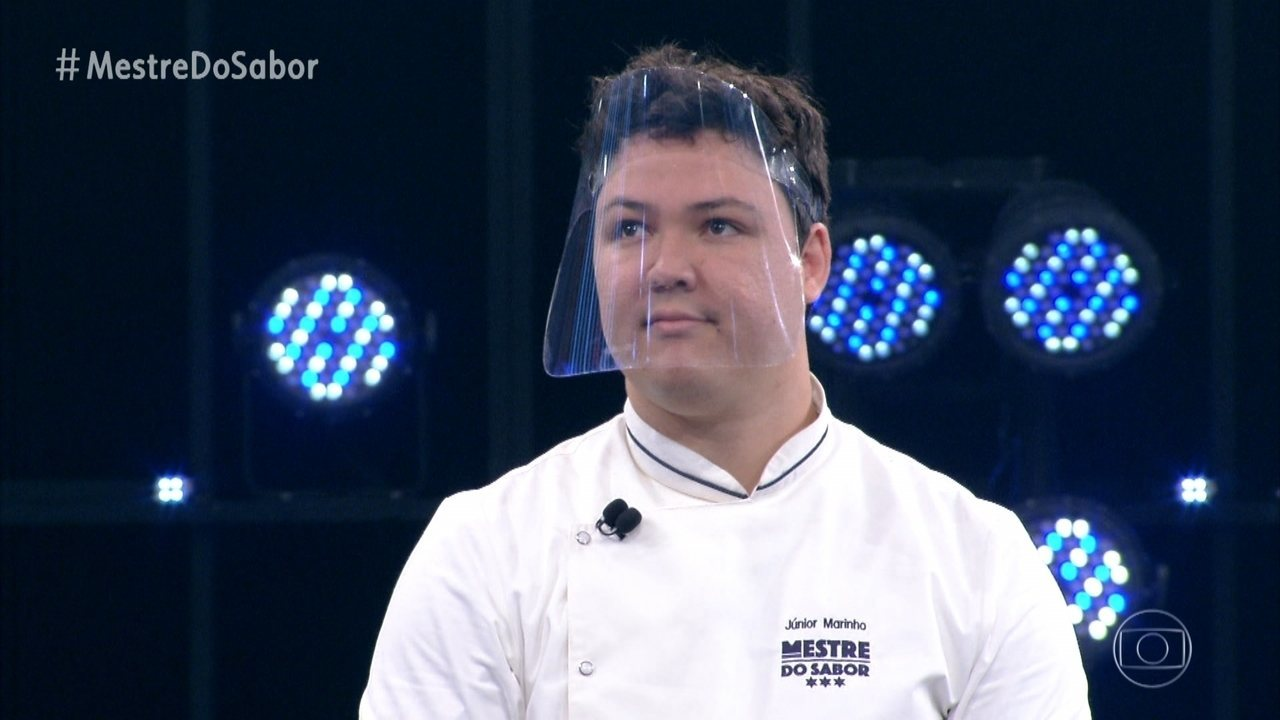 Júnior apresenta o prato 'Anchova com Maçã Caramelada'