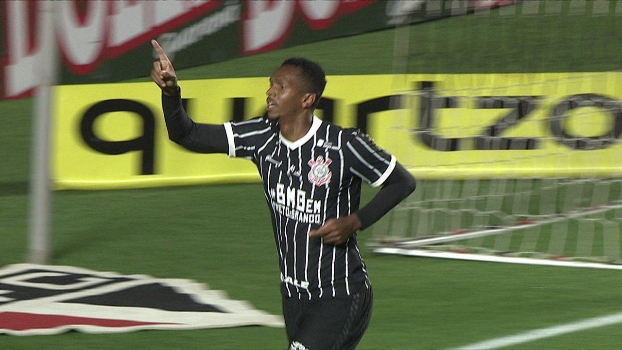 Gol do Corinthians! Após cobrança de escanteio, Jô cabeceia para marcar, aos 19' do 2° tempo