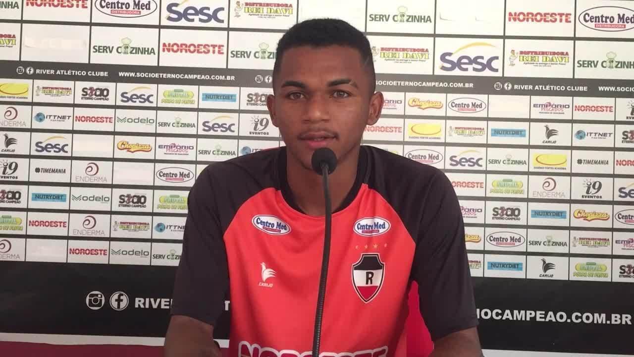 Bagaceira fala sobre primeiro jogo como titular no time profissional do River-PI