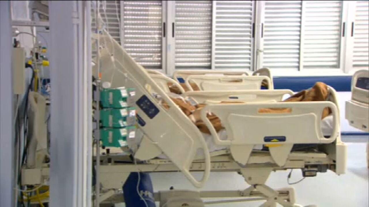 Taxa de transmissão da Covid-19 no Brasil é a maior desde maio, aponta estudo