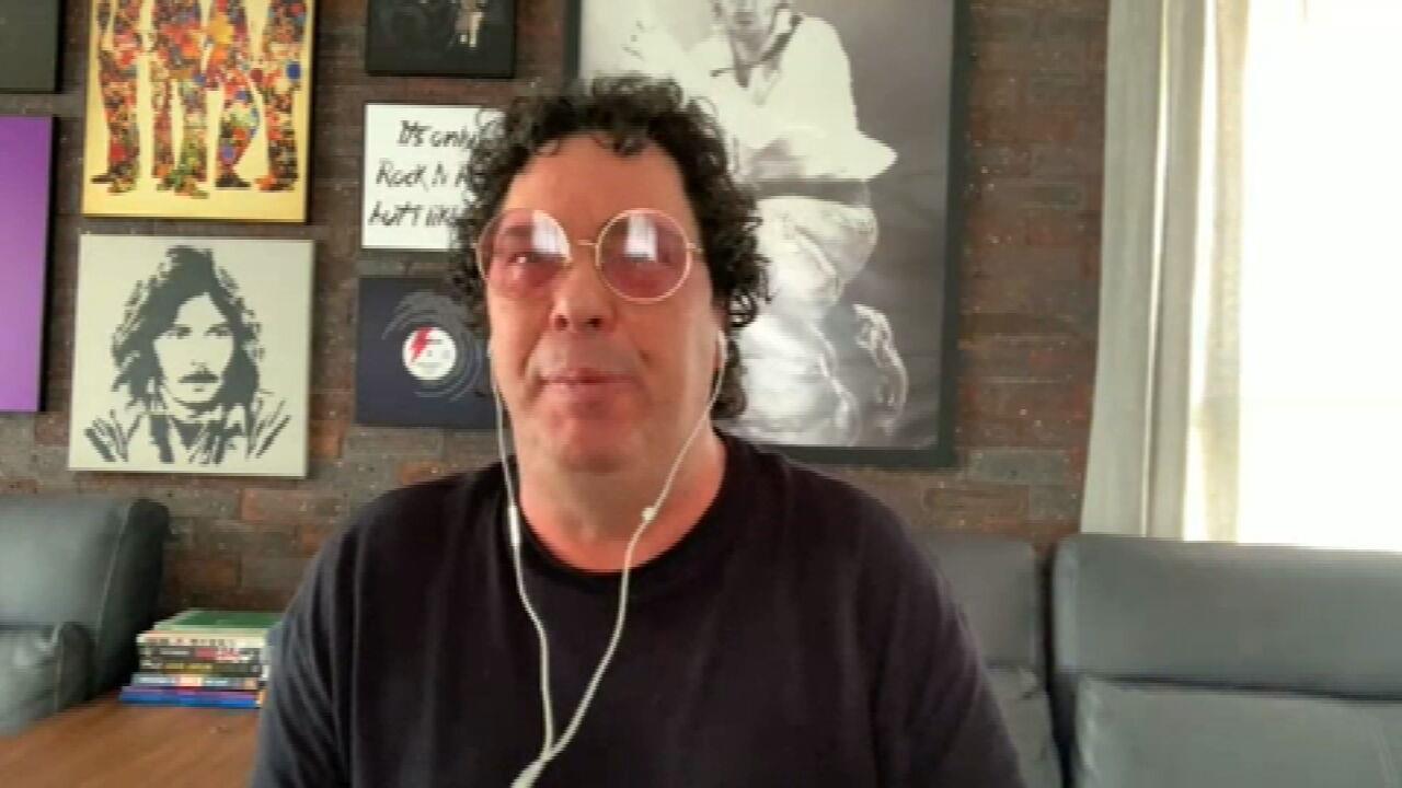 Casagrande se emociona ao falar de Maradona: 'Hoje eu perdi também um pedaço'