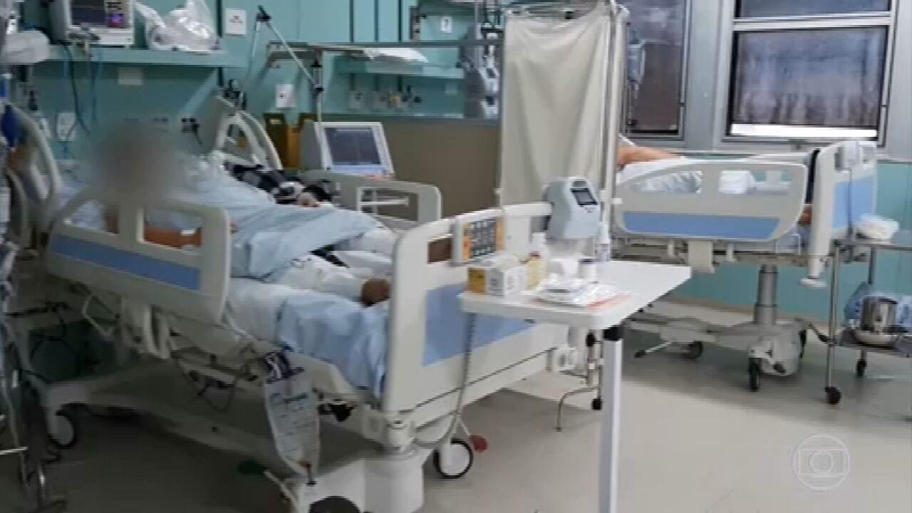 Aumento no número de casos de Covid-19 volta a lotar hospitais e a preocupar especialistas de saúde