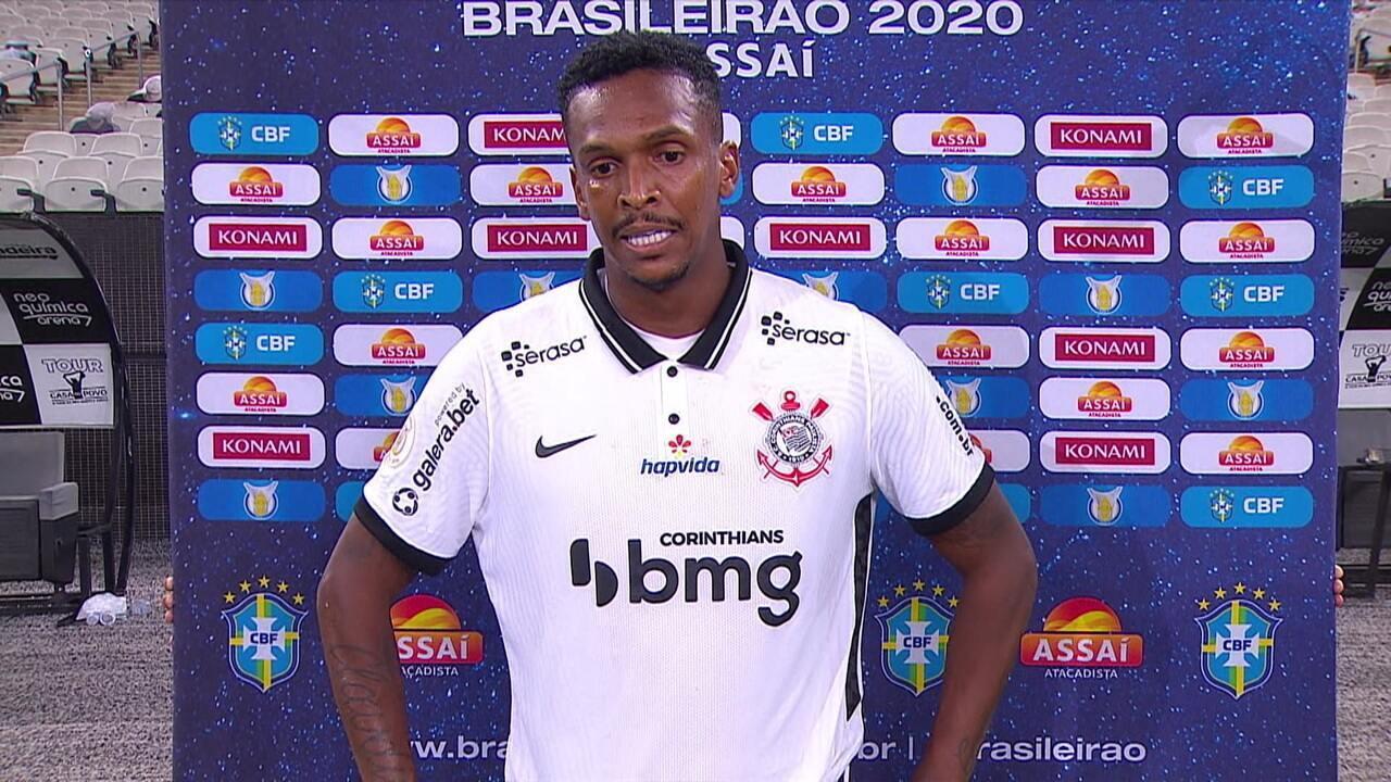 """Autor de um dos gols, Jô comemora vitória do Corinthians e fim do jejum: """"Uma hora, eu ia voltar"""""""