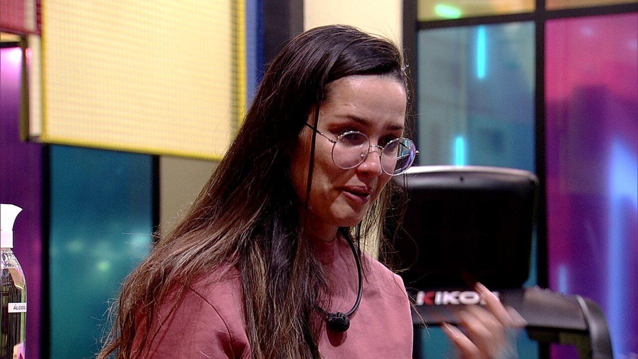 Juliette desabafa com Gilberto e chora: 'Brincaram o tempo todo'