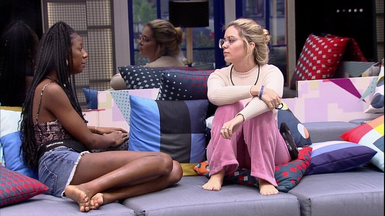 Camilla de Lucas desabafa com Viih Tube sobre sister: 'Estou me sentindo excluída'