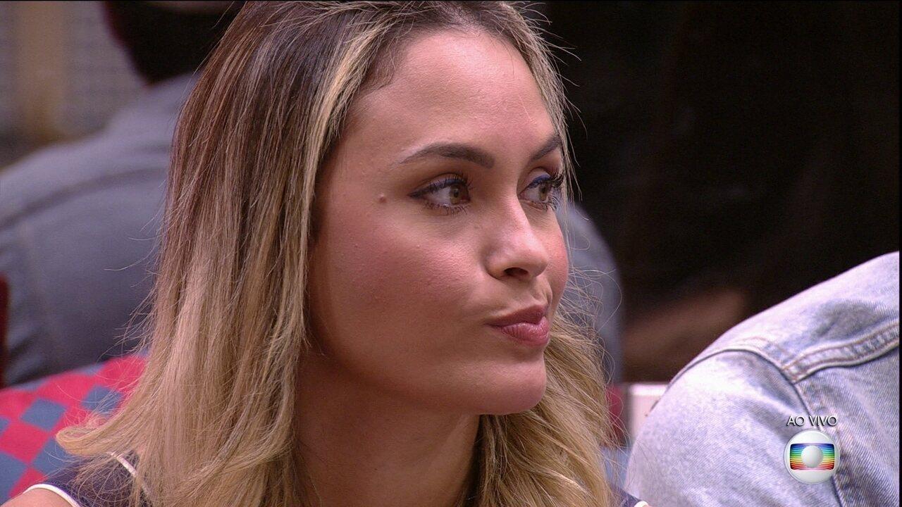 Líder Karol Conká indica Sarah ao terceiro Paredão do BBB21