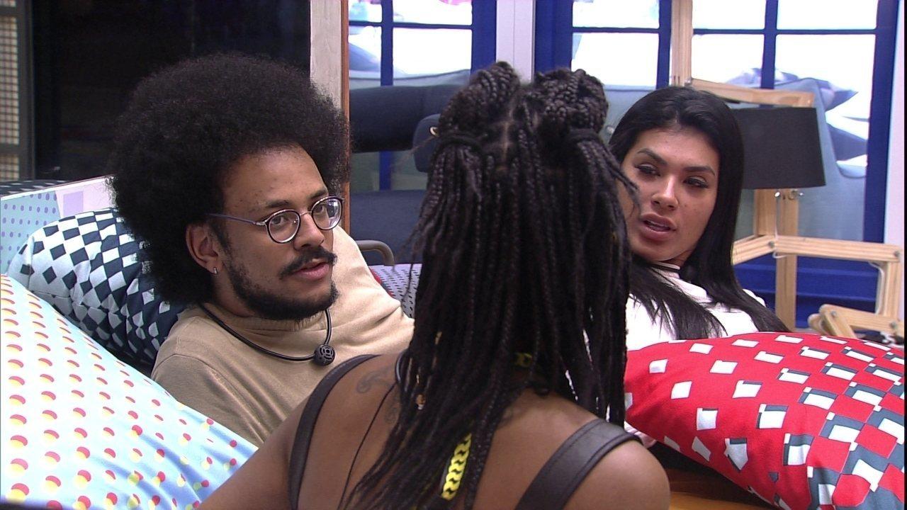 Pocah fala sobre 'dormir no jogo': 'Fiquei com peso na consciência'