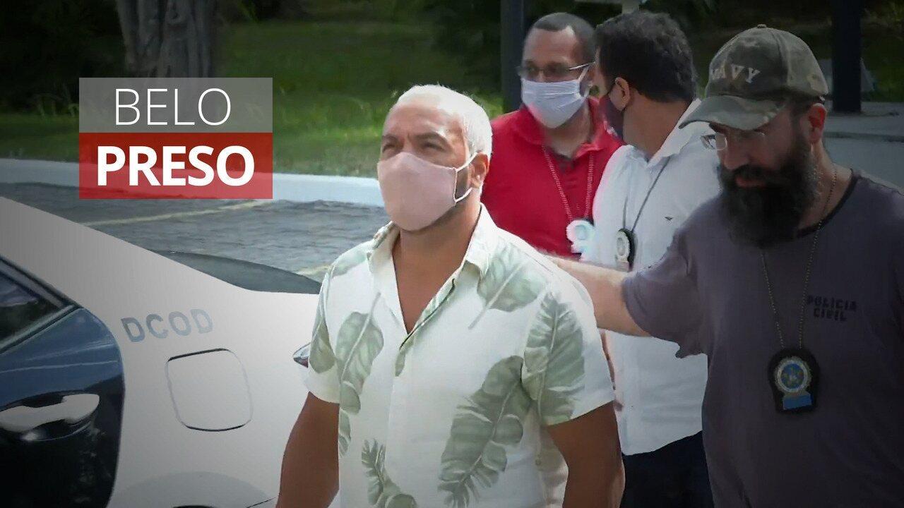 Belo chega à Cidade da Polícia após prisão por show na Maré durante o carnaval